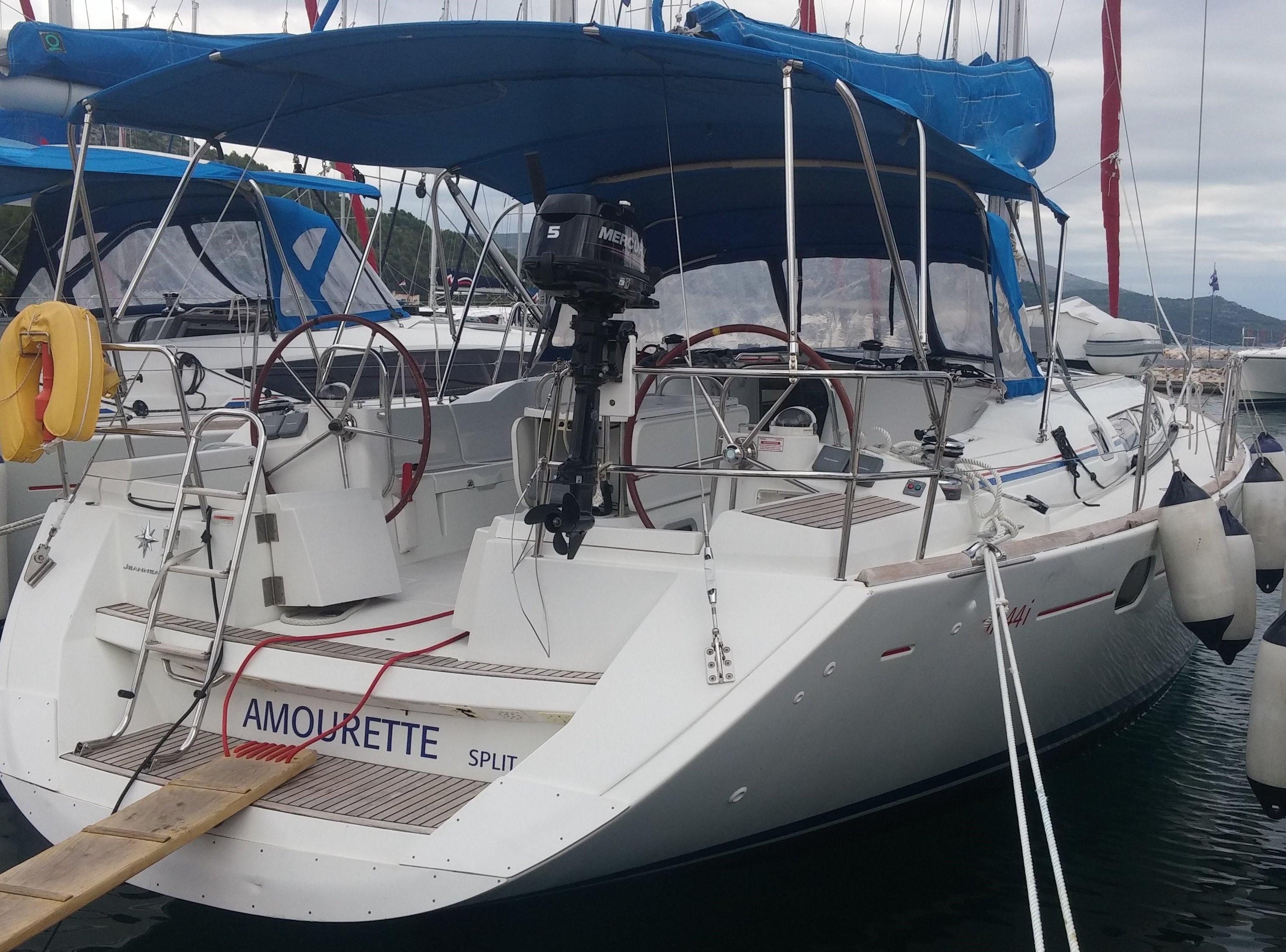 Sun-Odyssey-44i-Amourette-3